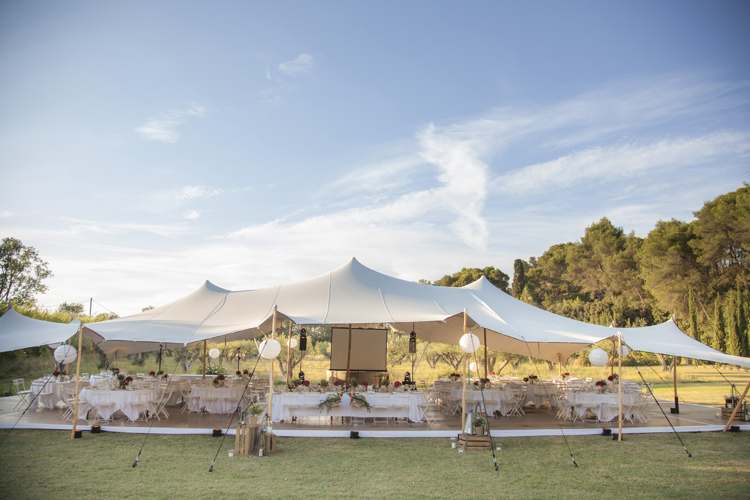 outdoor dinner reception wedding south of france