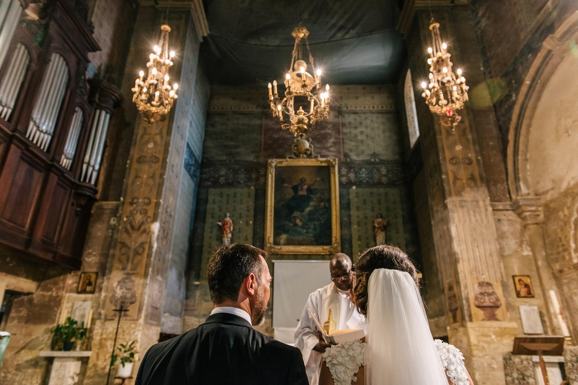 cérémonie mariage église en Provence